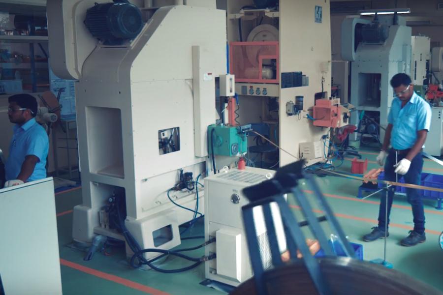 Stamping manufacturing unit